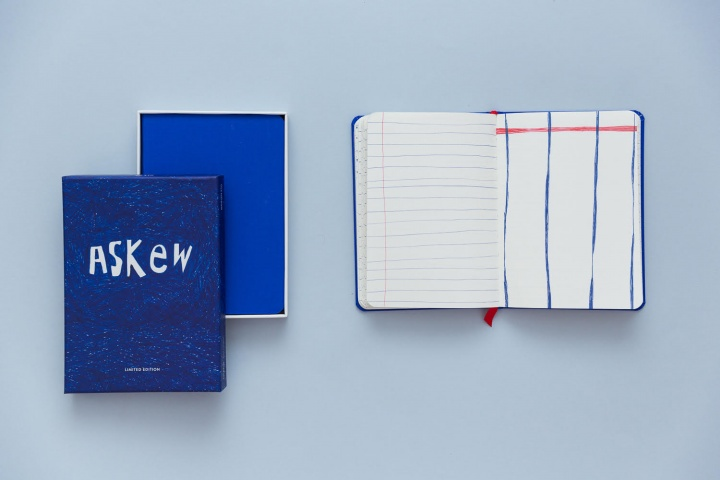 Notebook Askew